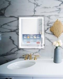 faytech Mirror in Hotel Bathroom